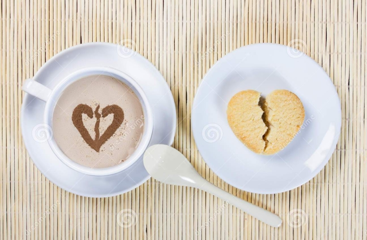cup-coffee-cookies-shape-broken-heart-cookie-pastry-food-drinks-white-saucer-caffeine-ceramics-ceramic-spoon-50540597